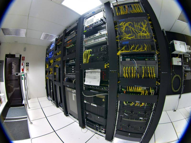 extreme-data-center-network